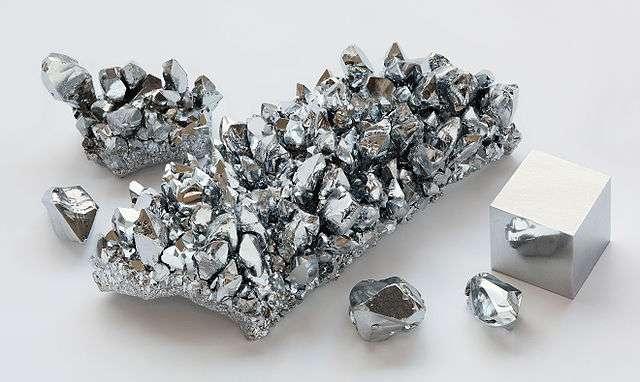 Le chrome se présente sous la forme d'un métal gris acier et dur. © Alchemist-hp, Wikimedia Commons, CC by-nc-nd 3.0
