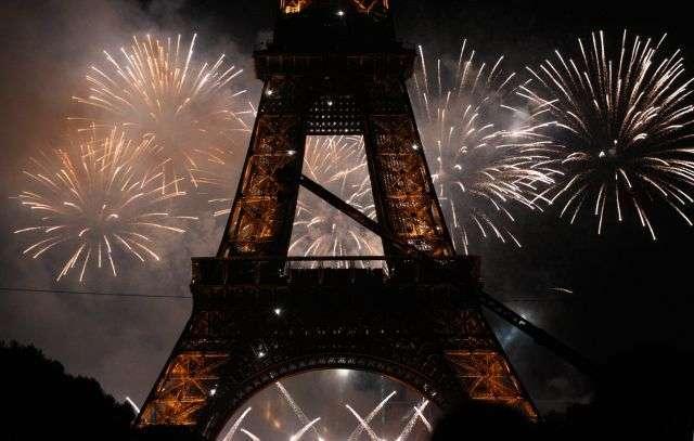 La Tour Eiffel aura bientôt quatre éoliennes. © AFP Photo/Mehdi Fedouach