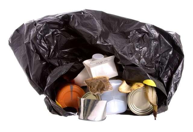 Nous savons mieux trier mais 150 kg de déchets par an et par habitant pourraient être plus intelligemment gérés. © Sebastian Crocker