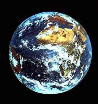 La planète Terre est fragile ! Prenons en soins !Crédit : http://www.astrosurf.com/gap47/scolaires