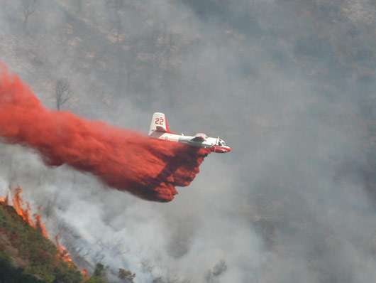 Largage d'un tracker sur un incendie. © Tracker-France - Tous droits de reproduction interdits