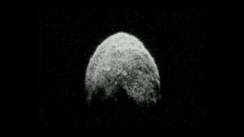 L'astéroïde 2005 YU55 fait son show