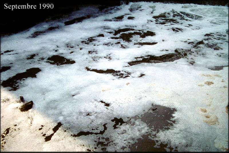 Pollution chronique de l'Aa entre 1985 et 1995 par des papeteries, des usines et des centres urbains. © F. Lamiot, Wikimedia CC by-sa 3.0