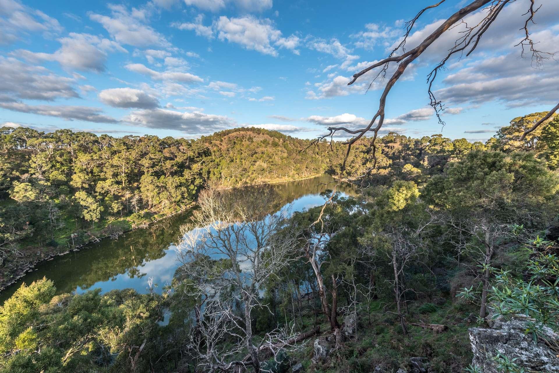 Le paysage culturel Budj Bim a été inscrit au patrimoine mondial de l'Unesco en juillet 2019. Des extensions jusqu'ici inconnues ont été découvertes par un incendie dans l'État de Victoria en Australie. © Peter, Flickr