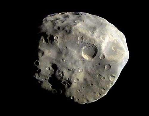 Epimetheus vu par Cassini le 3 décembre 2007. Crédit Nasa
