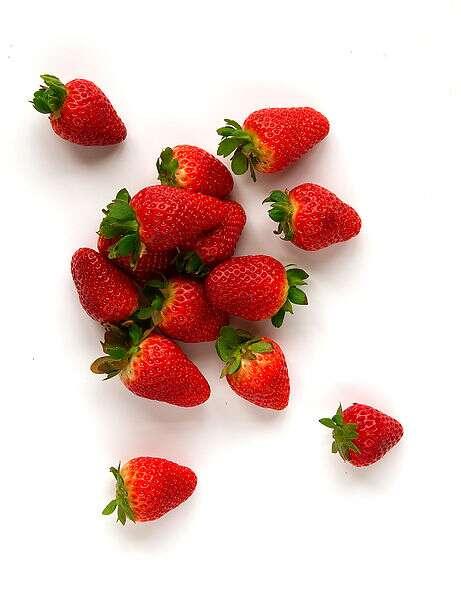 Les fraises sont à consommer dès la fin du printemps. © Wikimedia Commons