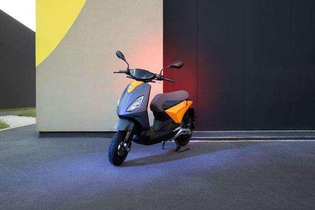 Le scooter électrique Piaggio 1 est décliné en six coloris. © Piaggio