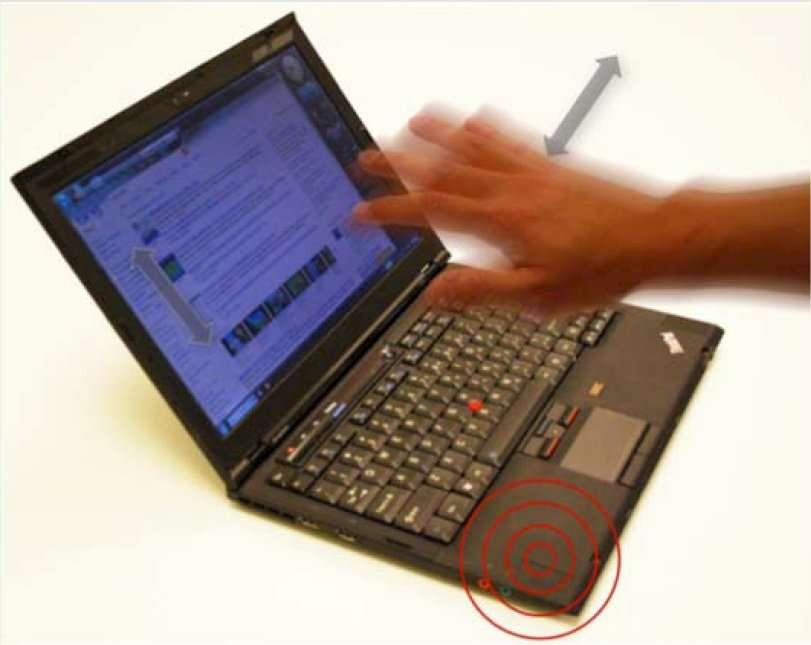 Le SoundWave fonctionne sur tout ordinateur portable en exploitant le haut-parleur et le microphone, le second recueillant l'onde ultrasonore émise par le premier et réfléchie par la main en mouvement. © Sidhant Gupta, Dan Morris, Shwetak N Patel, Desney Tan