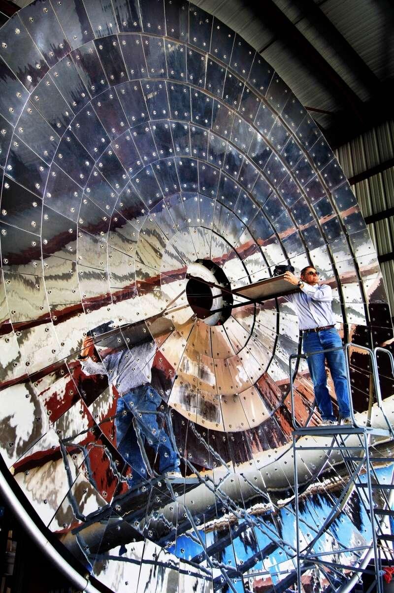 L'énergie utilisée dans le CR5 est thermique et provient d'un four chauffé par une centrale solaire de grandes dimensions. © Randy Montoya