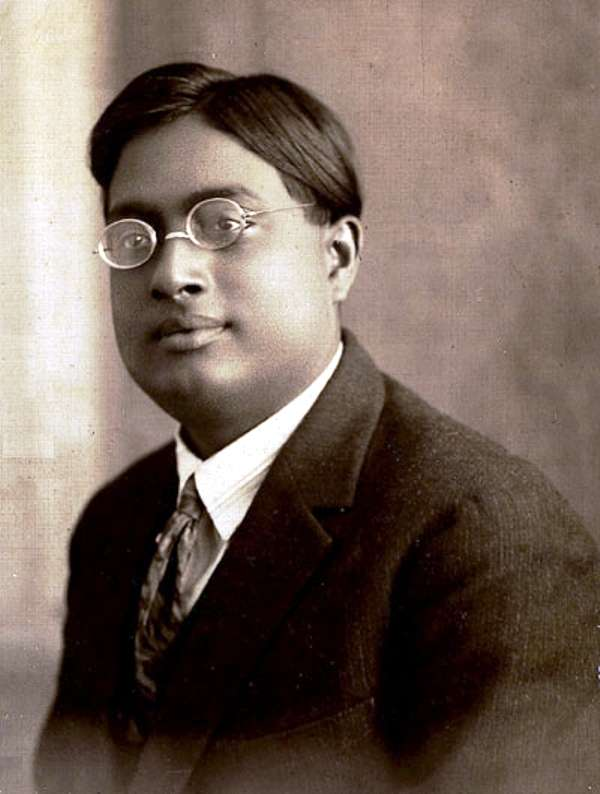 Une photo de Satyandra Nath Bose vers 1925. © Domaine publique-wikipedia
