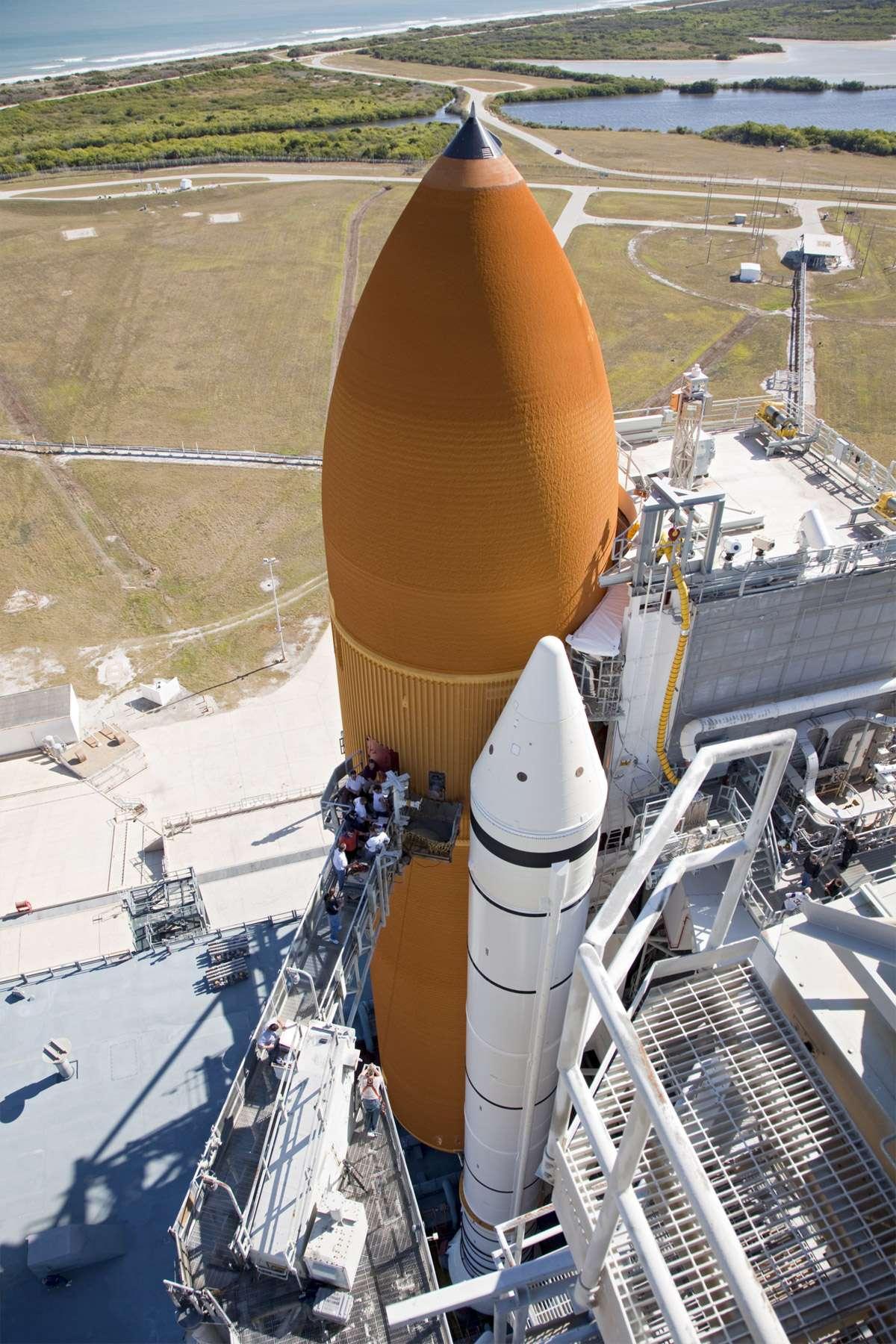 Initialement prévu le 1er novembre, le lancement de Discovery a été reporté à plusieurs reprises pour finalement être fixé au 3 février 2011. Un report qui décale le lancement d'Endeavour (STS-134) au mois d'avril 2011. © Nasa