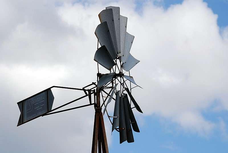 L'énergie éolienne est une forme indirecte d'énergie solaire, puisque les vents sont générés par des différences de pression et de température dans l'atmosphère causées par le rayonnement solaire. © bpmm, Flickr, cc by nc nd 2.0