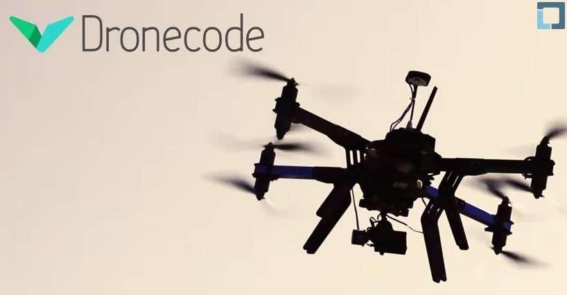 Avec Dronecode, la Fondation Linux souhaite unifier les outils open-source logiciels et matériels qui servent déjà de plateformes de développement pour les drones. Basé sur un fonctionnement collaboratif, le projet Dronecode veut instaurer une « méritocratie fondée sur les contributions ». © Dronecode