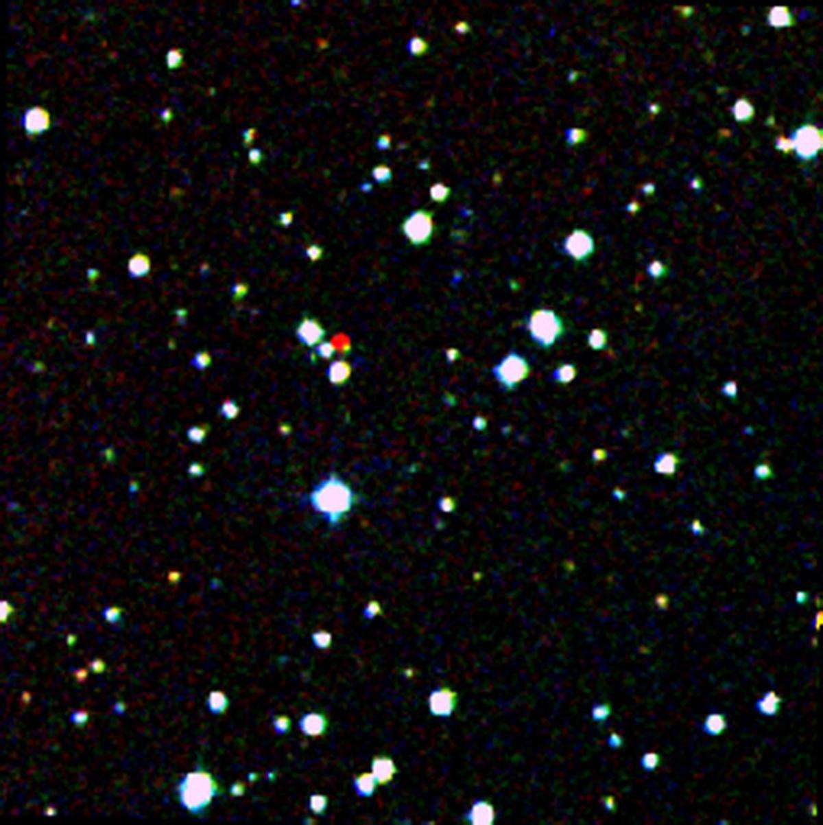 Débusquée par le télescope spatial Wise au cours de la première phase de mission entre 2010 et 2011, WiseA J204027.30+695924.1 est une étoile très âgée qualifiée de sous-naine de type spectral L en déplacement rapide dans notre voisinage. © DSS, Nasa, JPL-Caltech