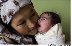 La mortalité maternelle recule, mais reste trop importante notamment dans les pays en développement. © OMS