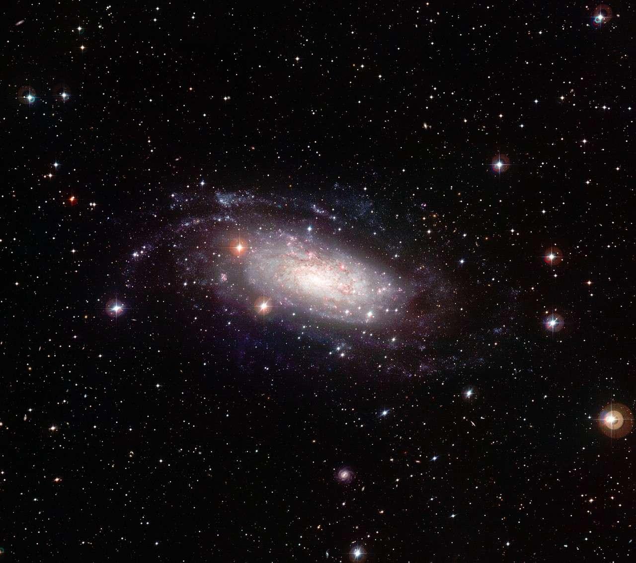 NGC 3621, une galaxie spirale à disque pur située dans la constellation de l'Hydre. © ESO/ J. De Pasquale
