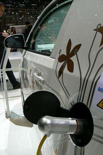 Le choix d'une voiture écologique repose sur sa consommation en carburant, les pollutions émises et la quantité de CO2 rejetée. © T.M.O.F. CC by-sa
