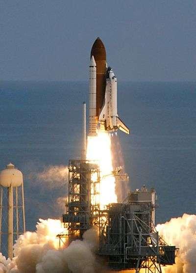 Lancement de la navette Discovery le 23 octobre 2007. Crédit Nasa