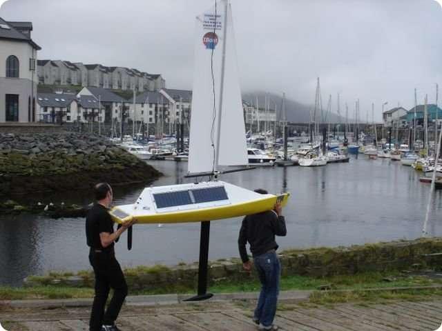 Le Microtransat de l'IUT de Nantes à Aberystwyth, en 2007. © Yves Brière et François Bastianelli