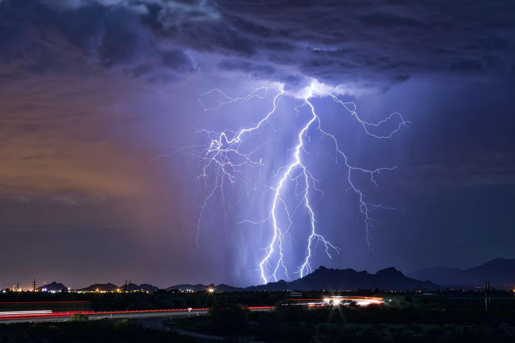 Un éclair de 500 km a éclairé les États-Unis sur 68.000 km2 en octobre 2017. @mdesigner, Fotolia