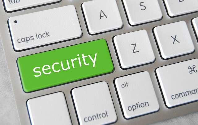 La faille zero-day est une vulnérabilité informatique qui n'est pas encore connue ou non corrigée. Outre l'exploitation malveillante qu'elle peut entraîner, elle fait aussi l'objet d'une exploitation commerciale. © GotCredit, Flickr, CC by 2.0