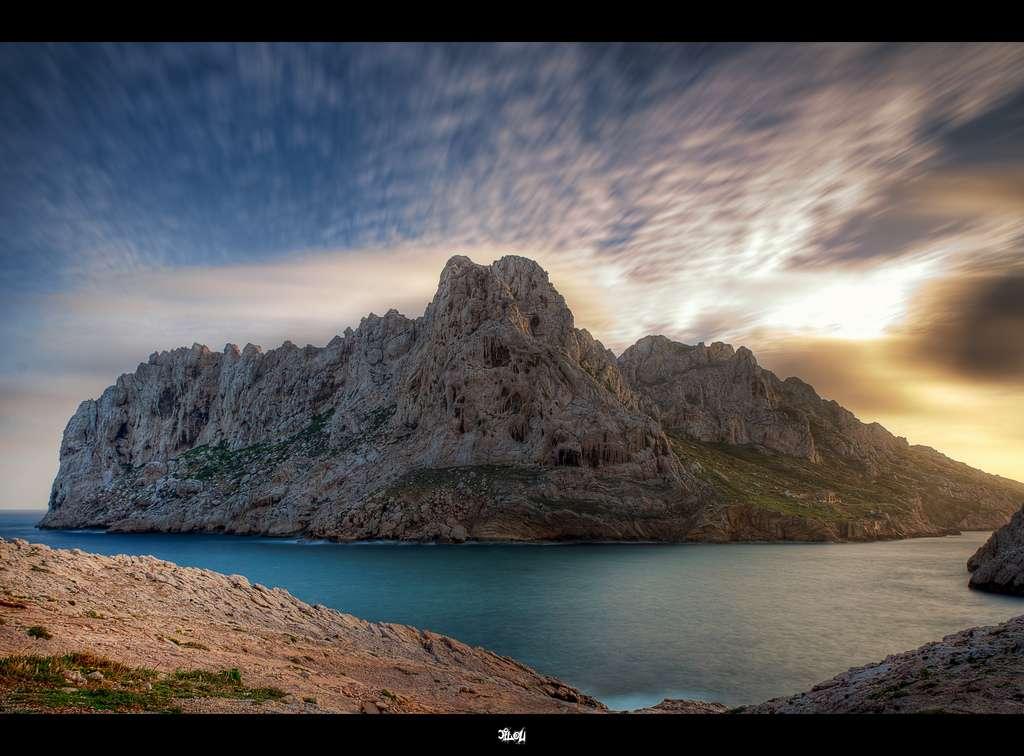 Le golfe du Lion couvre une partie de la mer Méditerranée, du Languedoc-Roussillon à Toulon. D'un point de vue océanographique, c'est un golfe intéressant à plusieurs titres : car beaucoup de fleuves s'y jettent (le Rhône, l'Aude, l'Hérault, etc.), et la tramontane et le mistral influent les courants de surfaces. © Cyrill, Flickr, by nc nd 2.0