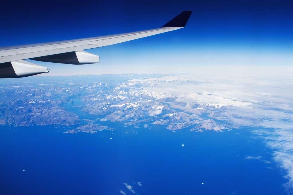 Les courants-jets se trouvent dans l'atmosphère entre 6.000 m et 15.000 m d'altitude, juste sous la tropopause. En leur centre, le flux d'air peut atteindre plus de 300 km/h. © tj.blackwell, Flickr, cc by nc 2.0