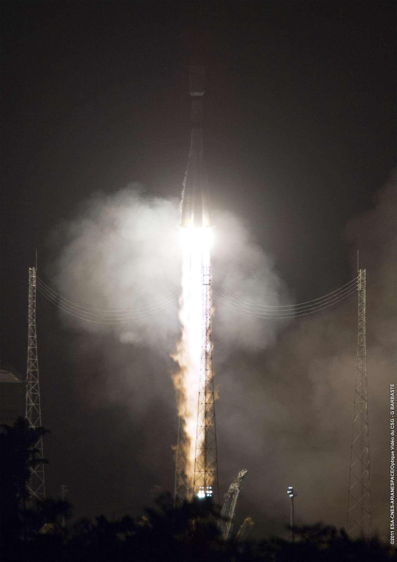 Deuxième mission et deuxième succès pour le lanceur russe Soyouz qui a décollé de son nouvel Ensemble de lancement Soyouz au Centre spatial guyanais, situé sur la commune de Sinnamary. © Esa/Cnes/Arianespace-Service Optique CSG