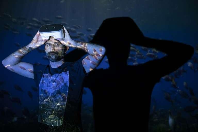 Andrien Moisson a créé « Wild Immersion », une expérience au plus près des animaux via un casque de réalité virtuelle, afin de remplacer les zoos. © Joël Saget - AFP/Archives