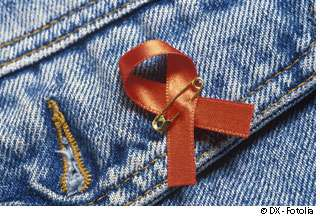 Mis à mal par une trithérapie, le VIH se transmet moins bien, mais un peu quand même. © DX / Fotolia