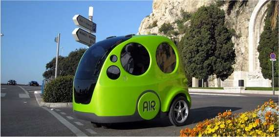 Petite et limitée à trois places, mais plutôt spacieuse, l'Airpod n'est pas faite pour s'aventurer sur l'autoroute. Elle est vouée aux parcours urbains voire aux flottes captives à l'intérieur d'une usine ou d'un aéroport. © MDI