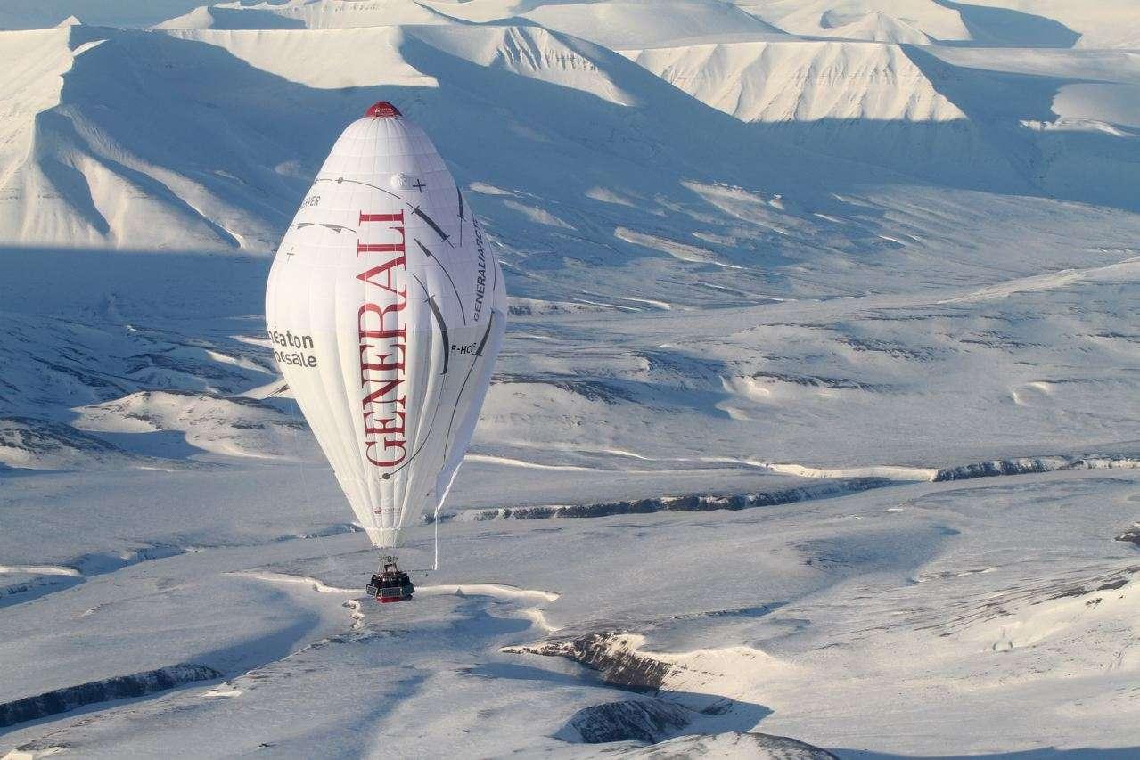 Rozière de Jean-Louis Etienne lors de sa traversée du pôle Nord en ballon © Francis LATREILLE / Generali