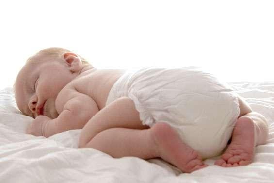 En présence d'une diarrhée du nourrisson, l'objectif est d'éviter la déshydratation - Crédits Fotolia