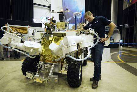 Andreas Mogensen pilotera le rover Eurobot depuis la Station spatiale internationale. © Esa