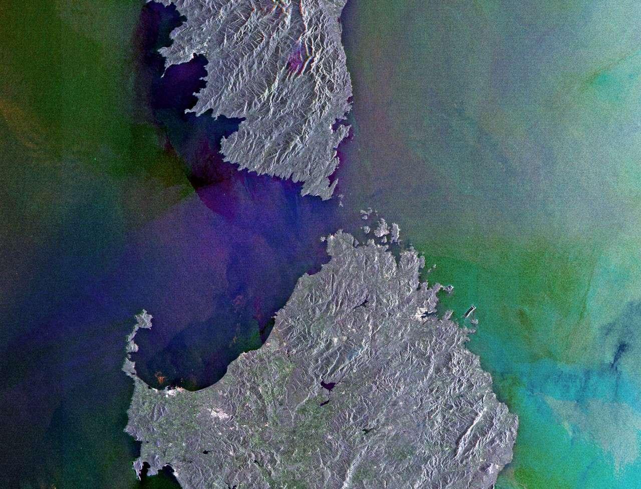 Les Bouches de Bonifacio sous la caméra du satellite Envisat. © Esa