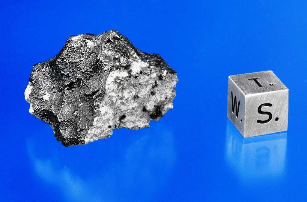 Un fragment de la météorite martienne de Tissint. C'est un exemple de shergottite. © Macovich Collection, Darryl Pitt