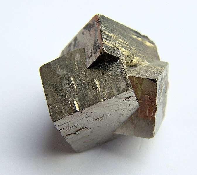 Pyrite polysynthétique. © Vassil, Wikipédia DP