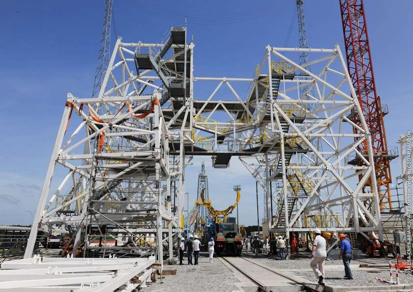 Etat d'avancement de construction du portique de l'Ensemble de lancement Soyouz (ELS) en mars 2010. Crédit Mars 2010 Esa/Cnes/Arianespace-Service optique CSG
