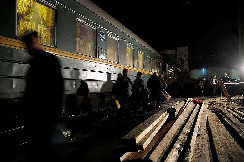 Un voyage en Transsibérien est une aventure pour de nombreux touristes. Pour les locaux, il s'agit bien souvent du seul moyen de voyager à moindre coût. © Christophe Meneboeuf, Wikimedia Commons, cc by sa 3.0
