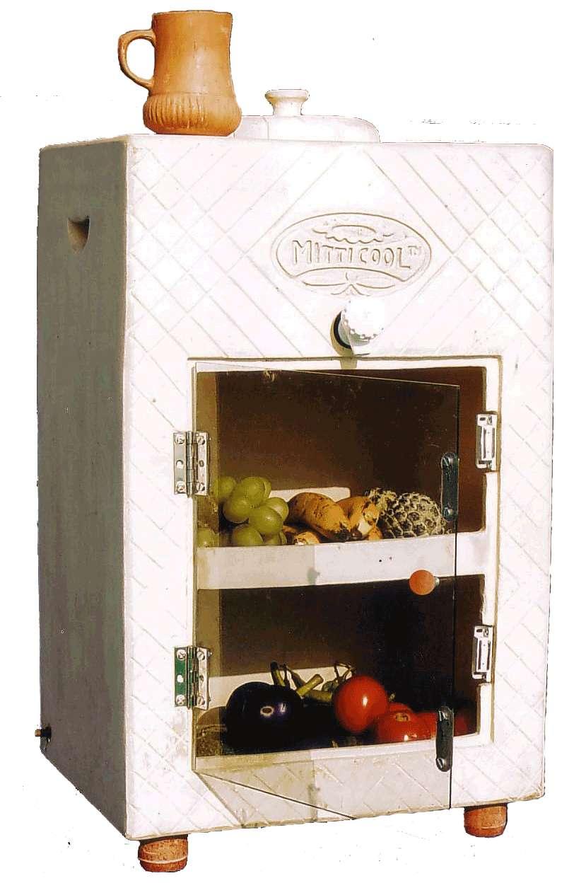 Le réfrigérateur sans électricité de l'entreprise indienne Mitticool. Il est en argile et il faut l'arroser régulièrement d'eau. L'évaporation produit la fraîcheur. © Mitticool