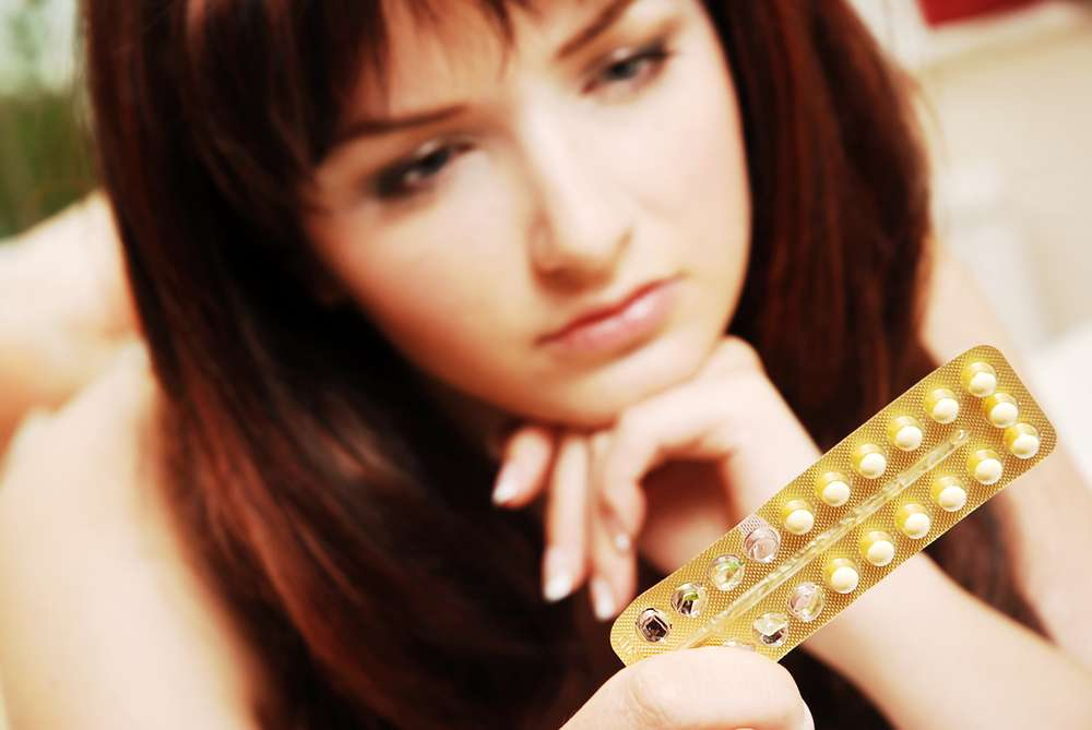 Depuis décembre 2012 et la médiatisation des risques liés aux contraceptifs oraux combinés (COC), un changement important des habitudes des femmes est survenu dans la contraception en France. © Shutterstock.com, katielittle
