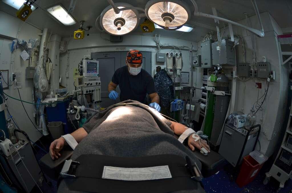 De nos jours, le taux de mortalité lié au recours à une anesthésie générale n'est plus que d'un cas sur 100.000. © Official US Navy Imagery, Flickr, cc by 2.0