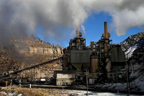 Le charbon est fortement responsable de l'accroissement des émissions de dioxyde de carbone. © Arbyreed CC by-nc-sa