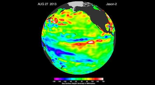 L'océan Pacifique est en conditions neutres, phase nommée La Nada. Sur l'image, les zones jaunes et rouges indiquent les niveaux de la mer les plus hauts, et donc là où les eaux sont plus chaudes que l'état moyen. Le vert (qui domine dans cette image) indique le niveau de la mer près de la normale, et les zones bleues et violettes montrent le niveau de la mer inférieur à la normale et donc où les eaux sont relativement plus froides. © Jet Propulsion Laboratory, Nasa