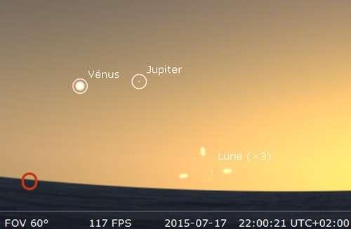 Observez le très fin croissant lunaire