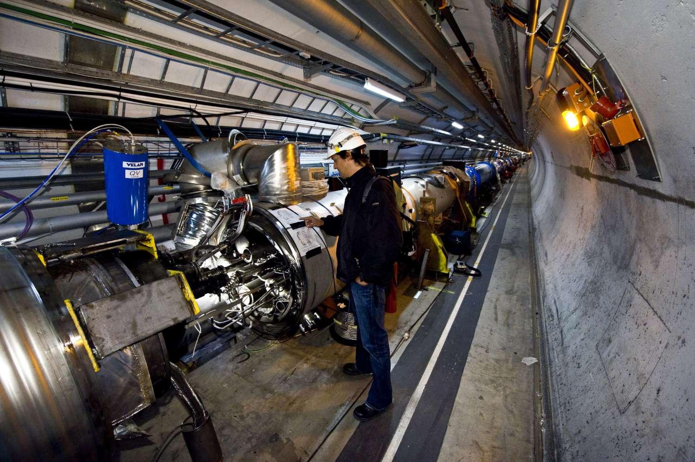 Intérieur du secteur 3-4 du tunnel du LHC, à l'endroit où est survenu le dysfonctionnement du 19 septembre. Crédit : Cern