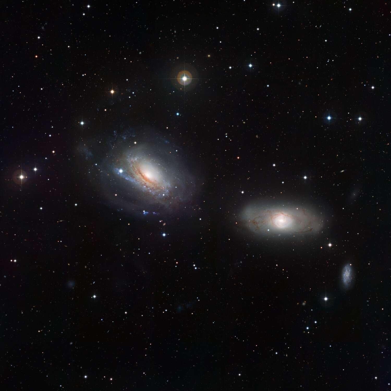 Le duo galactique NGC 3169-NGC 3166. © ESO/Igor Chekalin