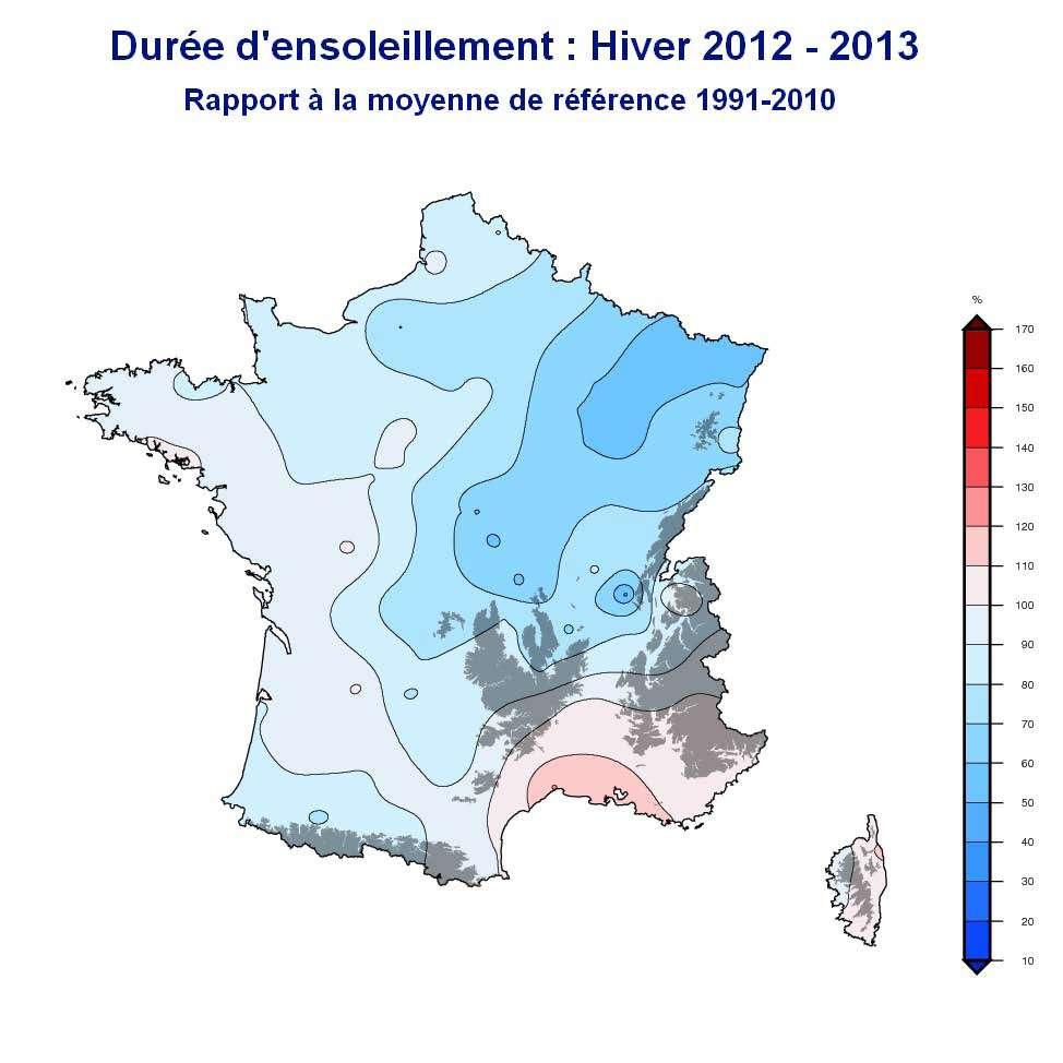 Durée d'ensoleillement durant l'hiver 2012-2013. Le taux est calculé par rapport à la moyenne de référence 1991-2010. © Météo-France