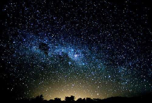 Un regard vers le ciel. © Chaval Brasil