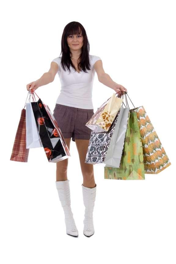 Si les femmes aiment tant faire du shopping, c'est à cause de leur cycle menstruel ! Une explication drôle mais tout de même un peu simpliste. Car un comportement ne dépend pas uniquement des taux d'hormones. © Tompet80, StockFreeImages.com